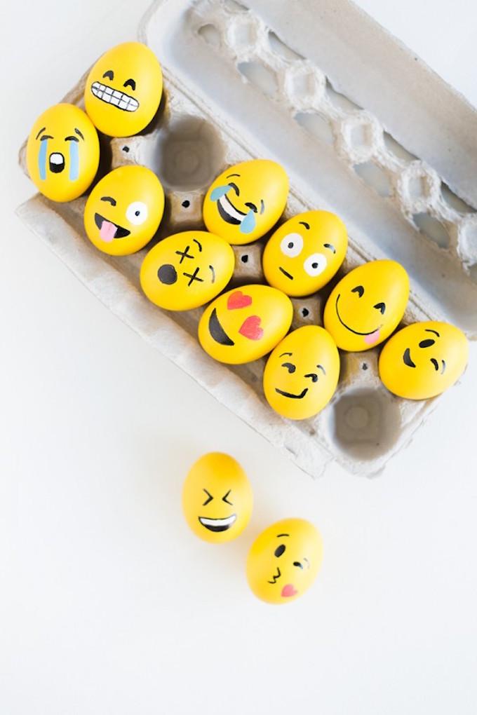 Best Easter Egg Decorating Ideas Emoji Eggs | Studio DIY