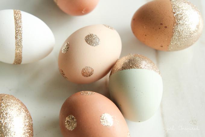 Best Easter Egg Decorating Ideas Gold Glitter | The Girl Inspired
