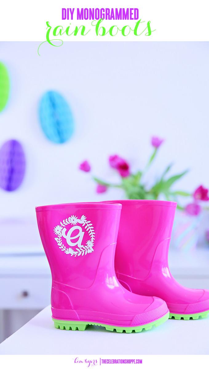 DIY Monogrammed Rain Boots | Kim Byers