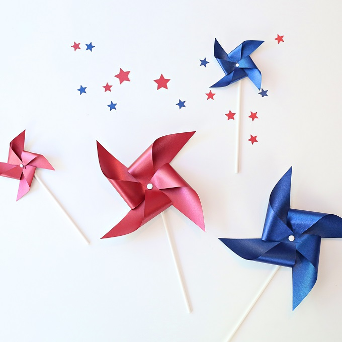 8 Patriotic Holiday Crafts With Cricut | Kim Byers