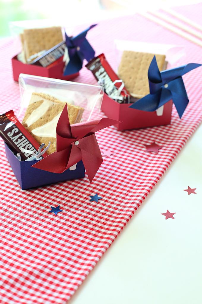 1 cricut treat box kim byers 9682sm