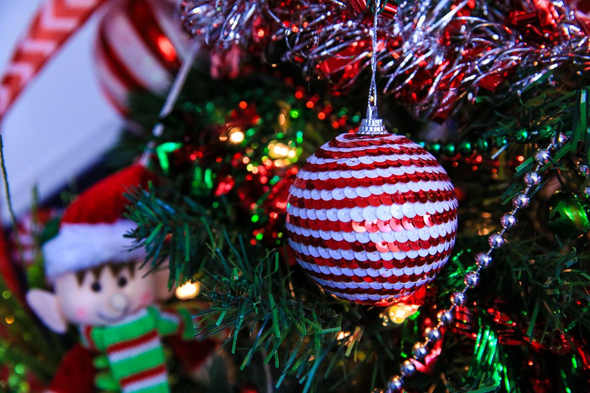 4 beaded christmas stripe ornament kim byers 152 2