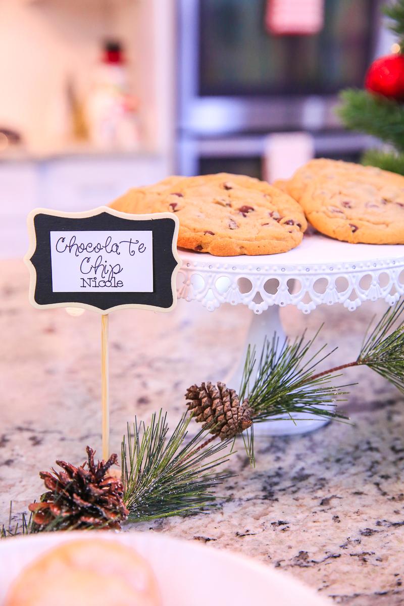 4 chocolate chip cookies kim byers 0283