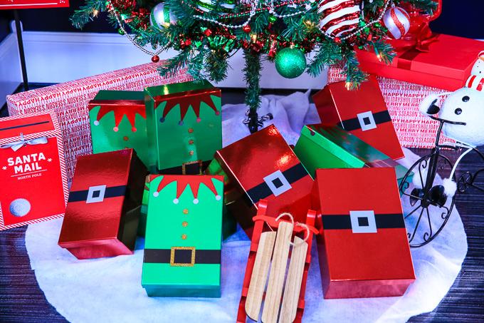 5 santa gift wrap kim byers 155 2
