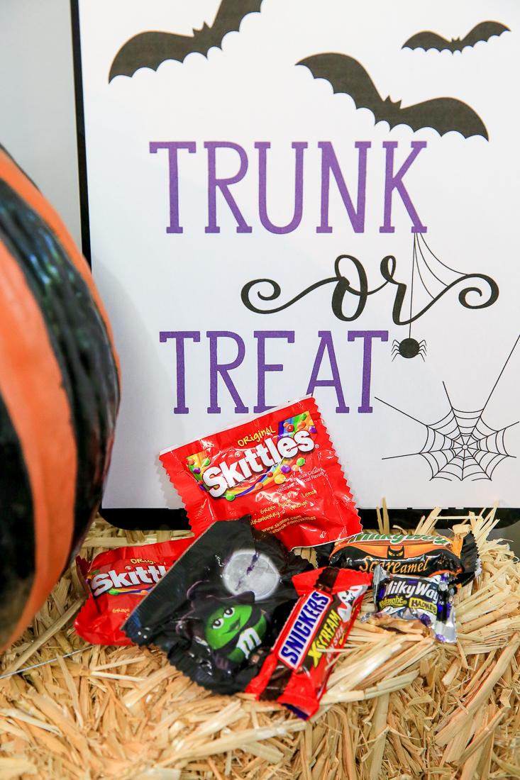 Halloween Trick Treat Sign Kim Byers